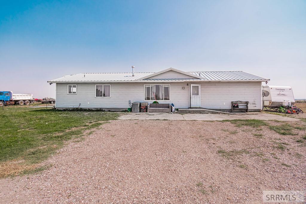 755 S 1600 W Property Photo