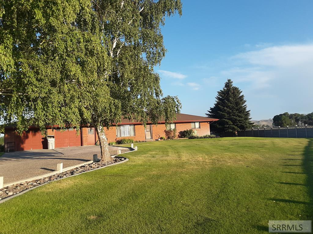 65 E 100 N Property Photo