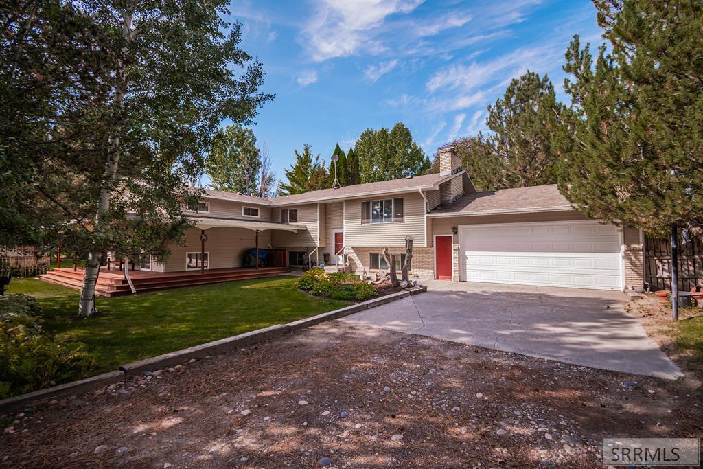 561 E 1200 N Property Photo