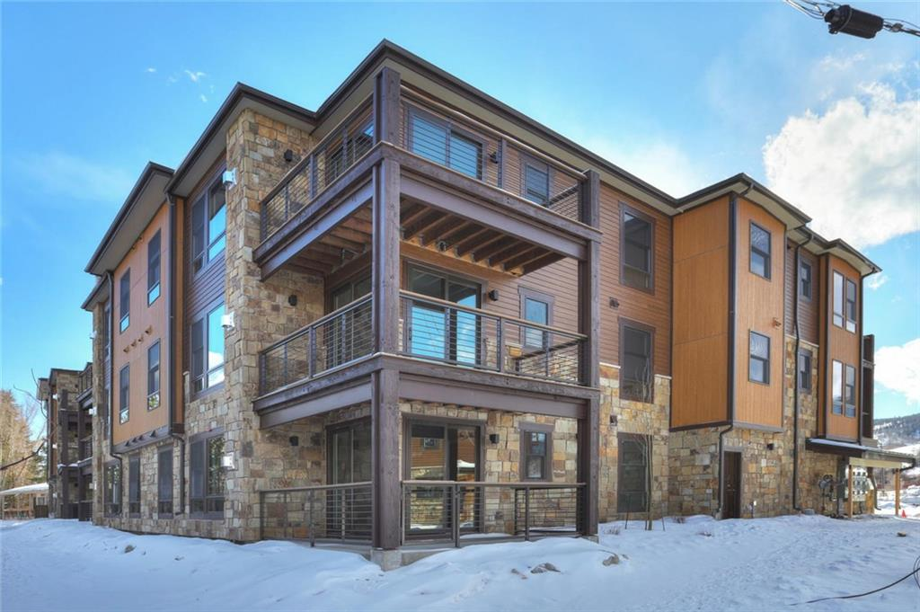 1060 Blue River Parkway #TH 101 Property Photo