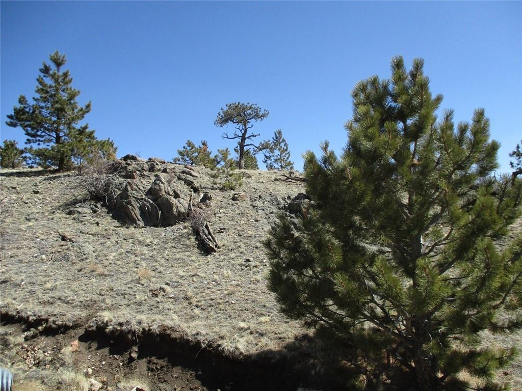 2042 Goldenburg Canyon Road Property Photo