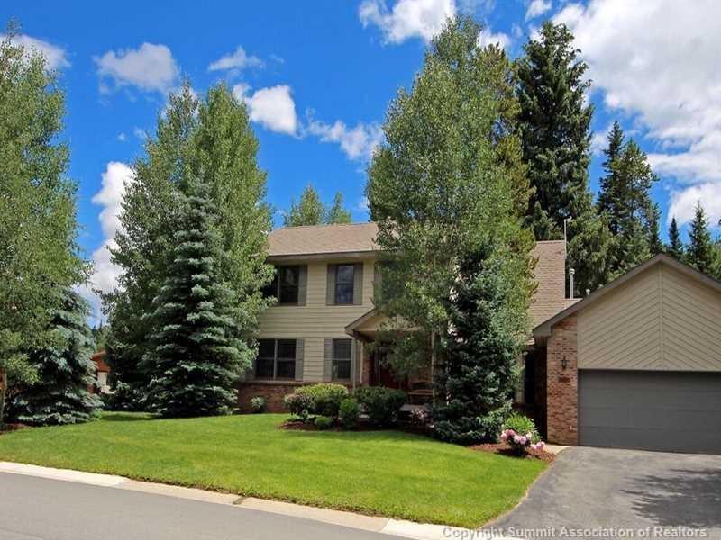 216 Cottonwood Drive Property Photo 1