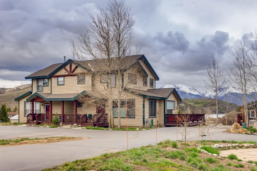154 Elizabeth Circle #154 Property Photo 1