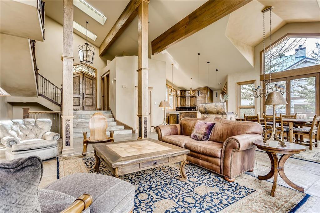 313 S Gold Flake Terrace Property Photo 1