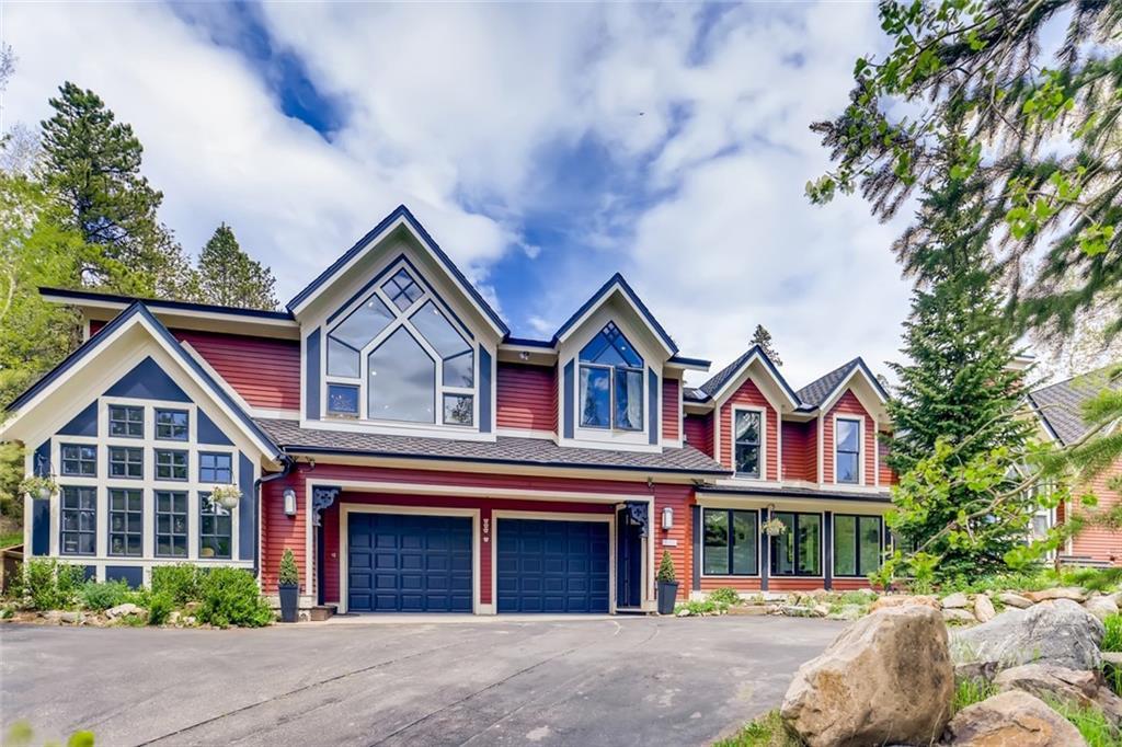 106 N High Street Property Photo 1