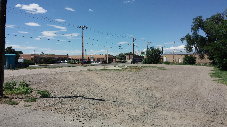 6502 Fourth Street NW Property Photo - Los Ranchos, NM real estate listing