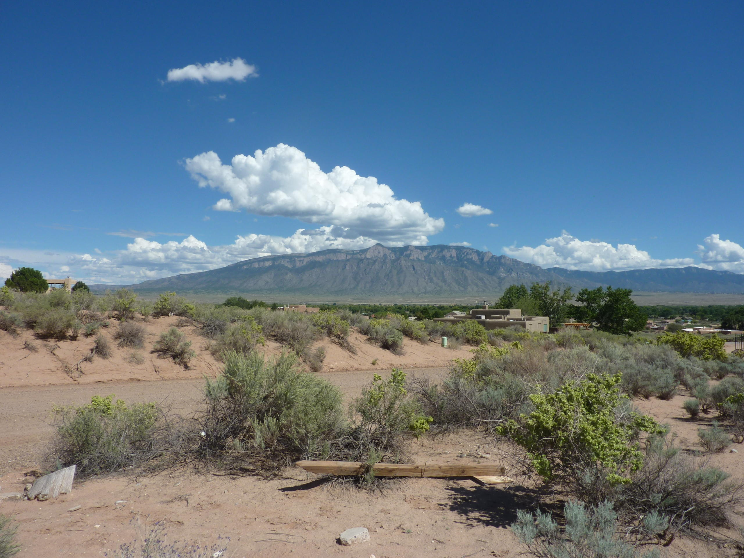 E Rio Arriba Road NE Property Photo - Rio Rancho, NM real estate listing