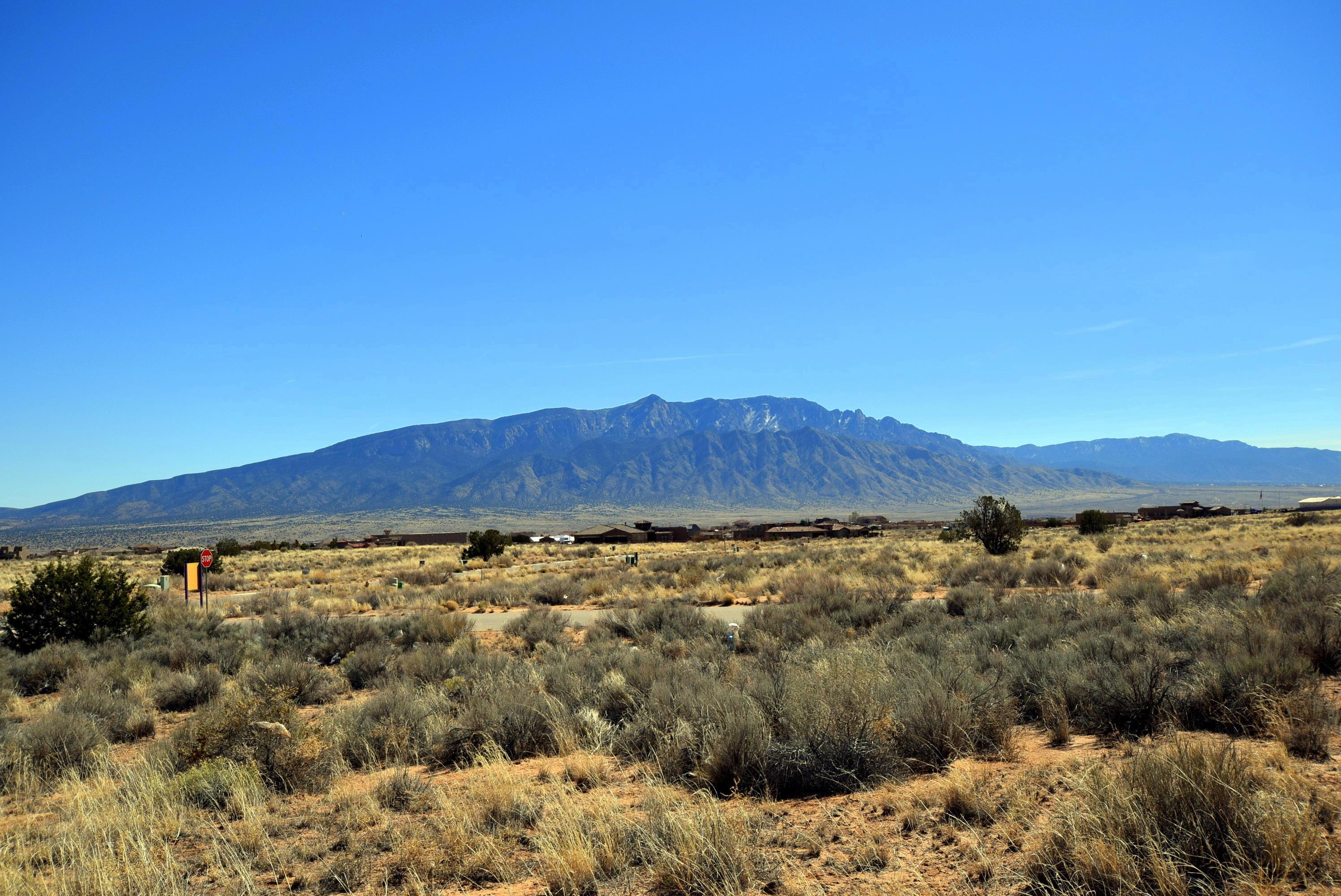 3213 Vatapa NE Property Photo - Rio Rancho, NM real estate listing