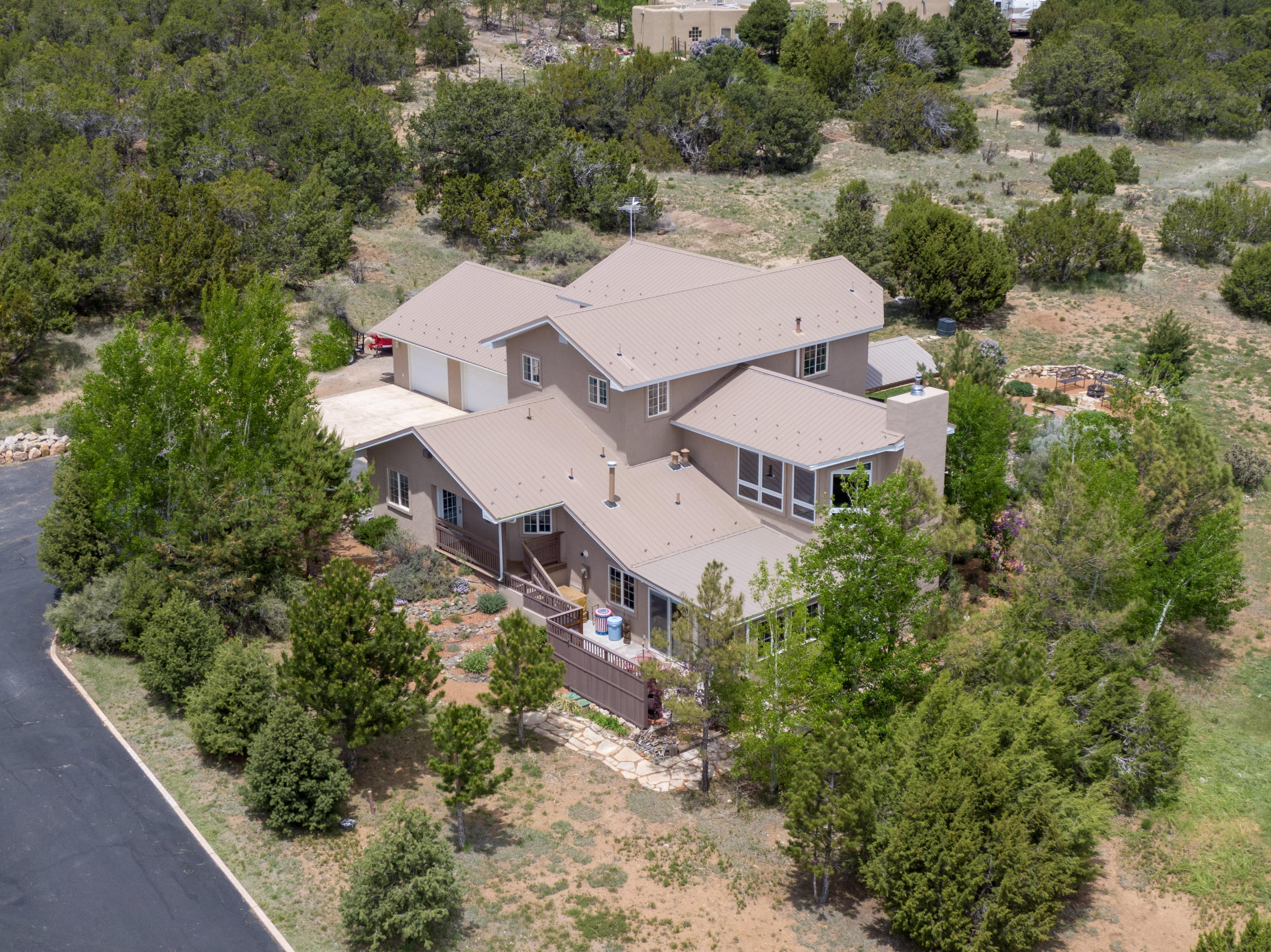 31 Western Saddle Drive Property Photo - Tijeras, NM real estate listing