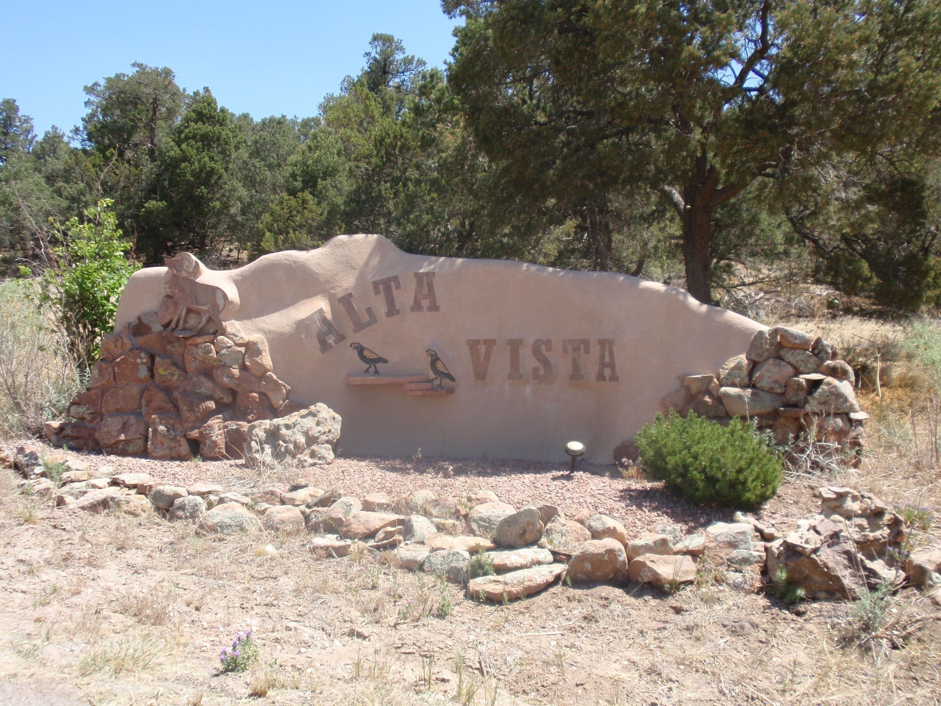 40 Alta Vista Road Property Photo - Tijeras, NM real estate listing