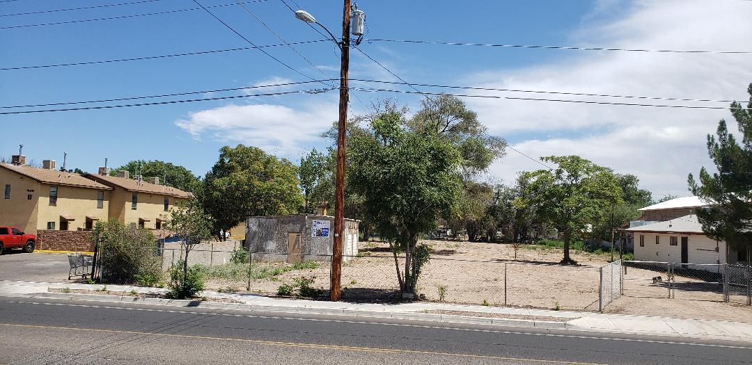 2140 Isleta Boulevard Sw Property Photo