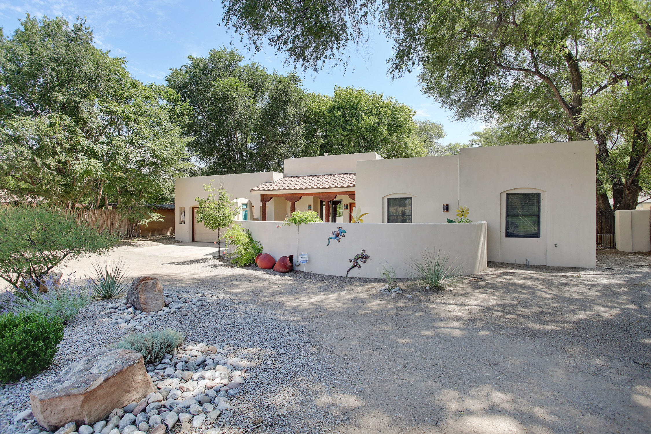 8416 Rio Grande Boulevard, Los Ranchos, NM 87114 - Los Ranchos, NM real estate listing