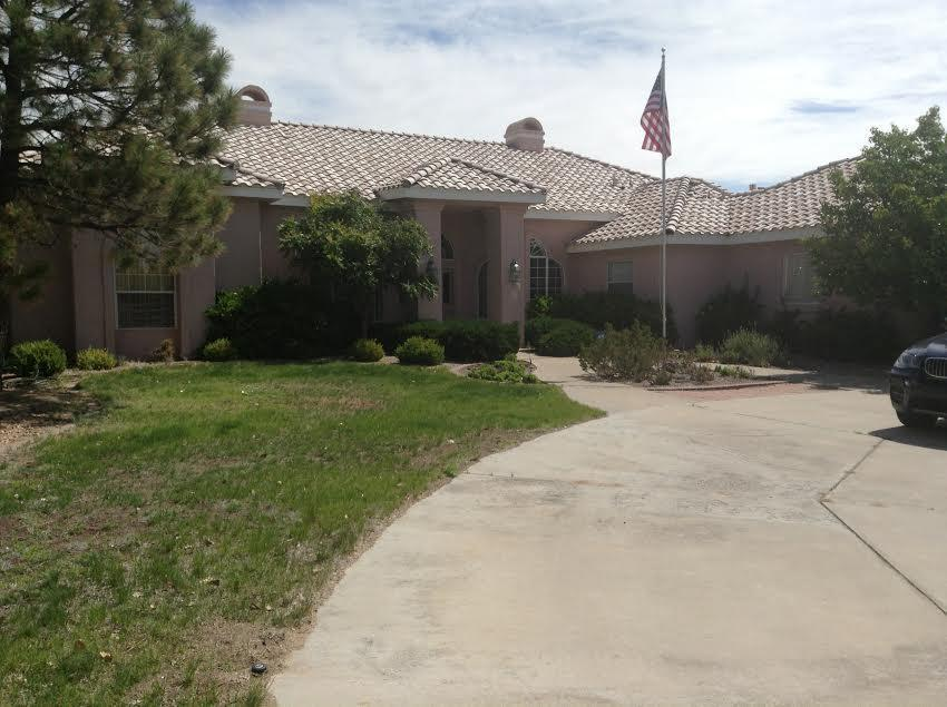 1602 Travis Road NW Property Photo - Albuquerque, NM real estate listing