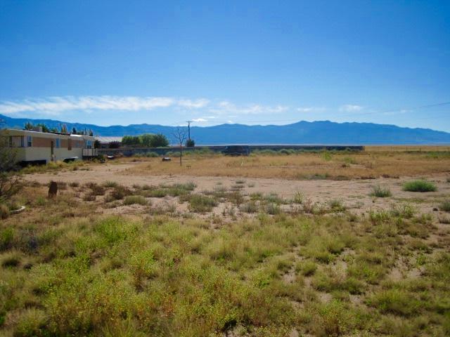 410 Meadow Lake Road Property Photo - Los Lunas, NM real estate listing