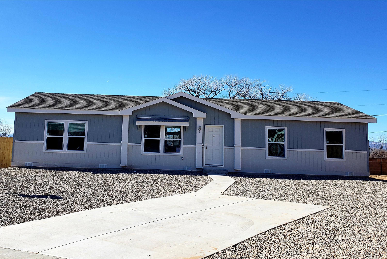1723 Desert Vista Drive Property Photo - Espanola, NM real estate listing