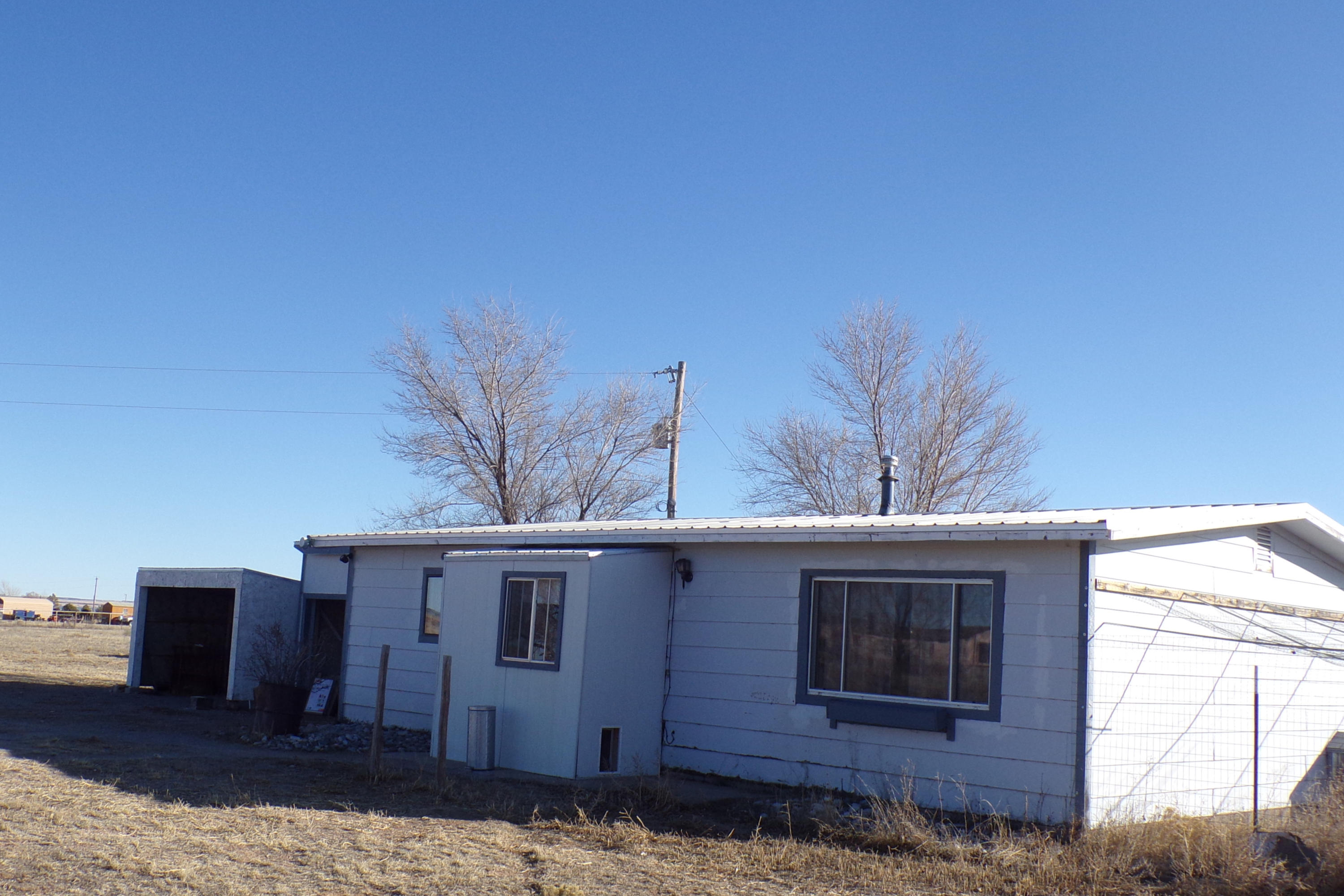 33 Bell Avenue Property Photo - Moriarty, NM real estate listing