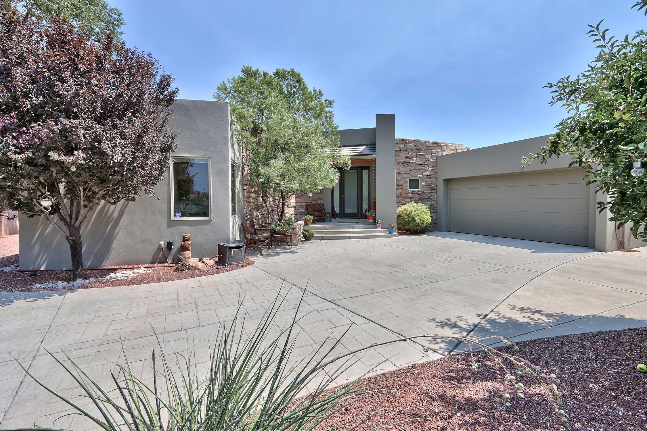 2500 Villa Doro Way NW Property Photo