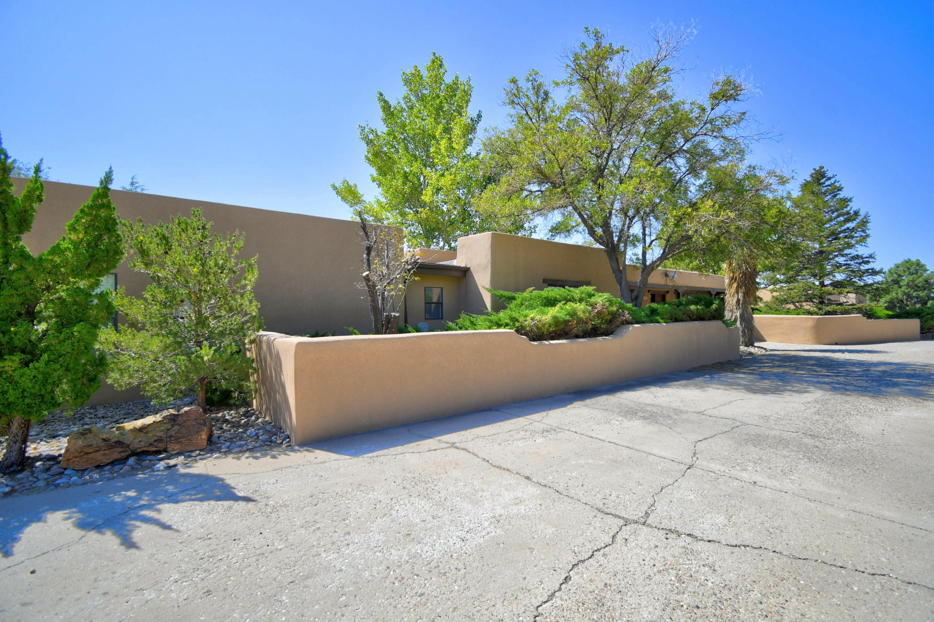 14018 ARCADIA Road NE Property Photo - Albuquerque, NM real estate listing