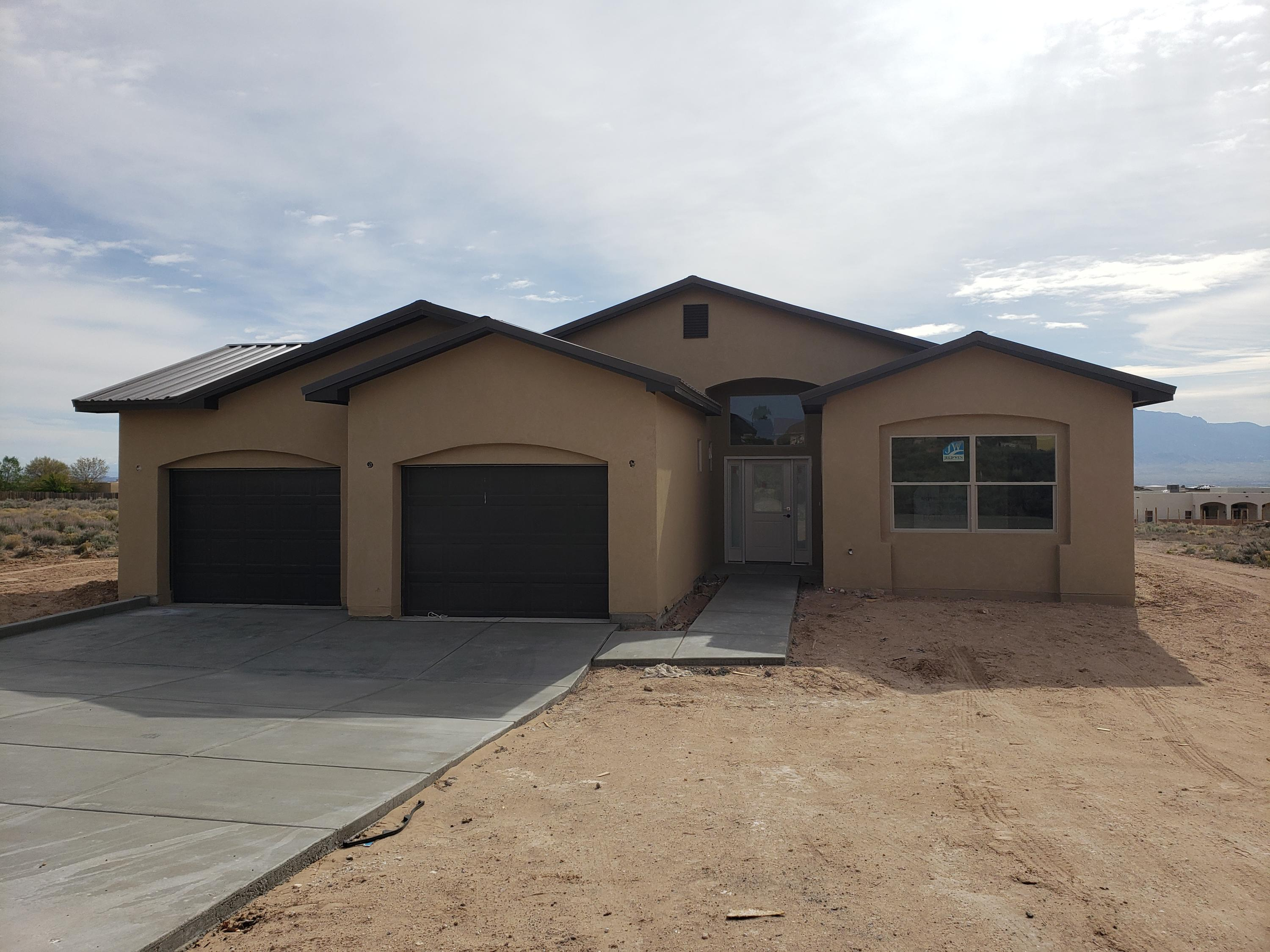 512 8th Street NE Property Photo - Rio Rancho, NM real estate listing