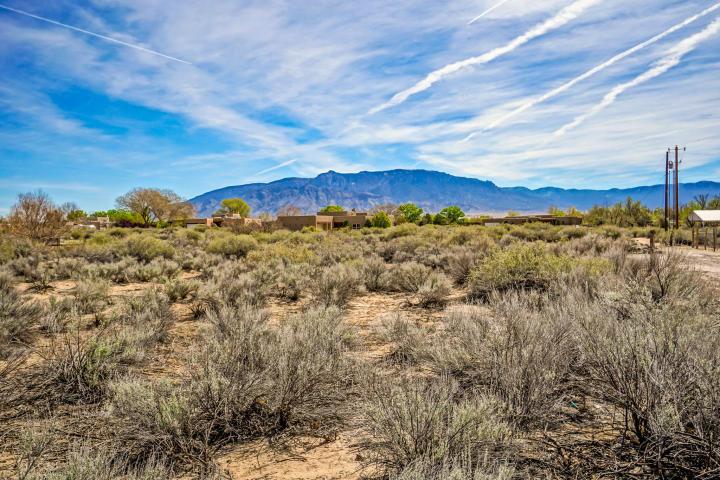 25 Via Luna Drive Property Photo - Algodones, NM real estate listing