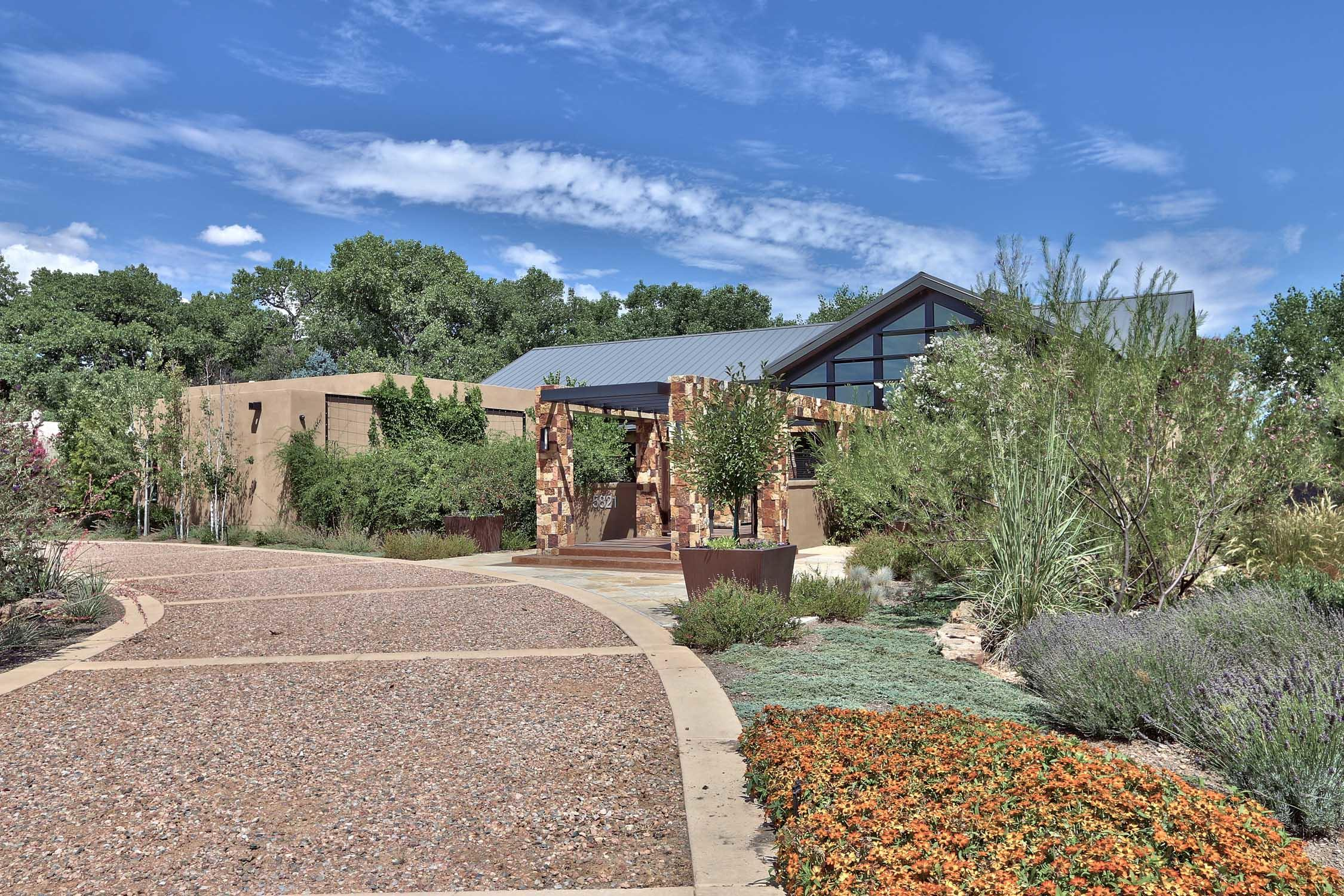 5821 PADRE ROBERTO Road NW Property Photo - Los Ranchos, NM real estate listing