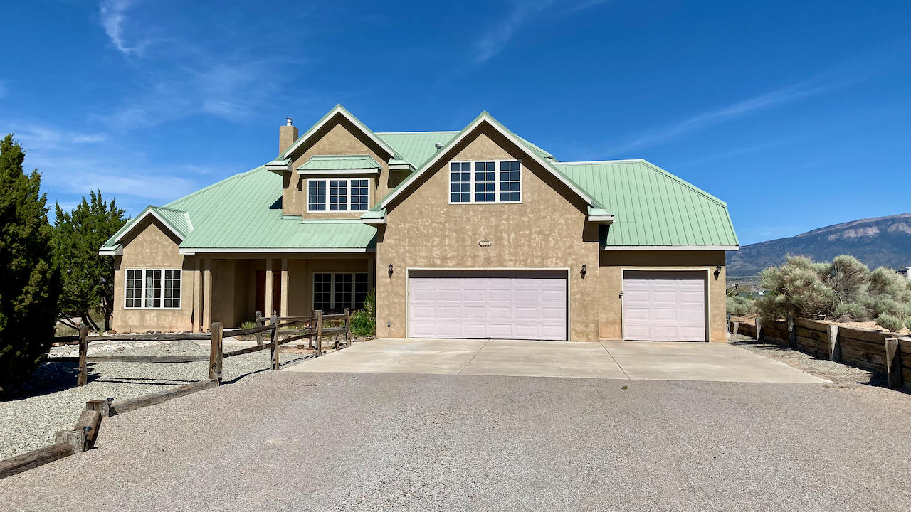 3110 Demavend Road Ne Property Photo