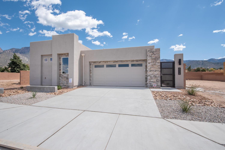 814 Horned Owl Drive NE Property Photo - Albuquerque, NM real estate listing