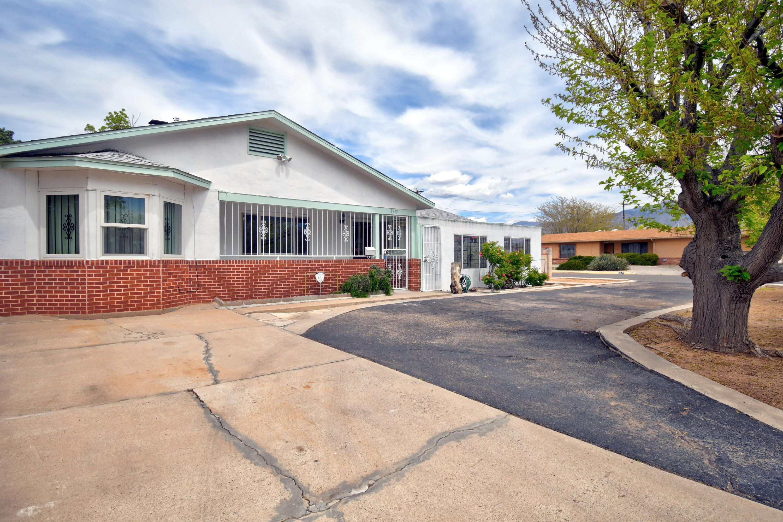 8217 FRUIT Avenue NE Property Photo - Albuquerque, NM real estate listing