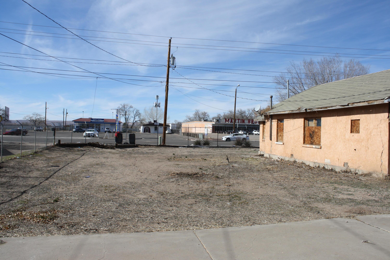 1638 Isleta Boulevard Sw Property Photo