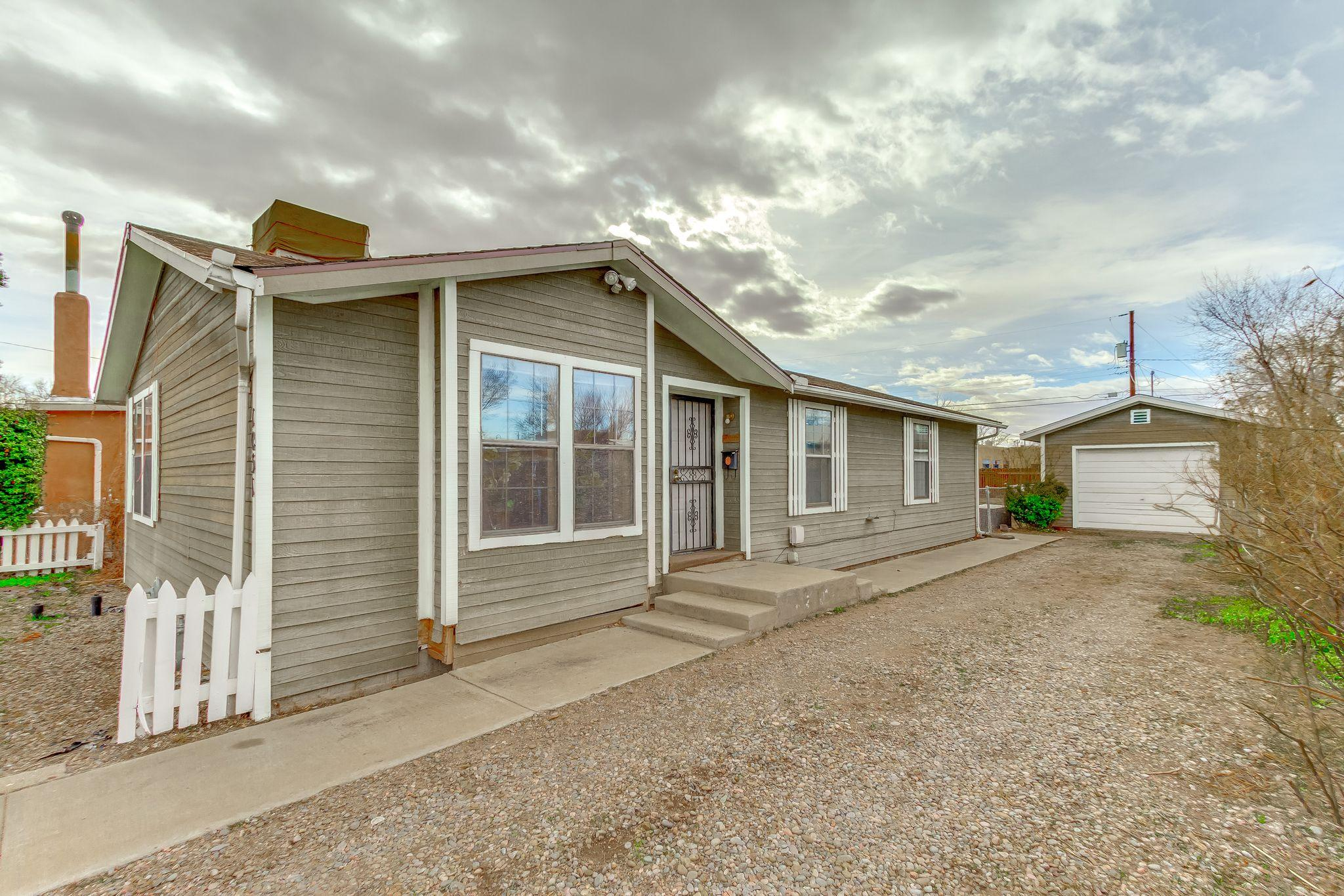 1031 Forrester Avenue NW, Albuquerque, NM 87102 - Albuquerque, NM real estate listing