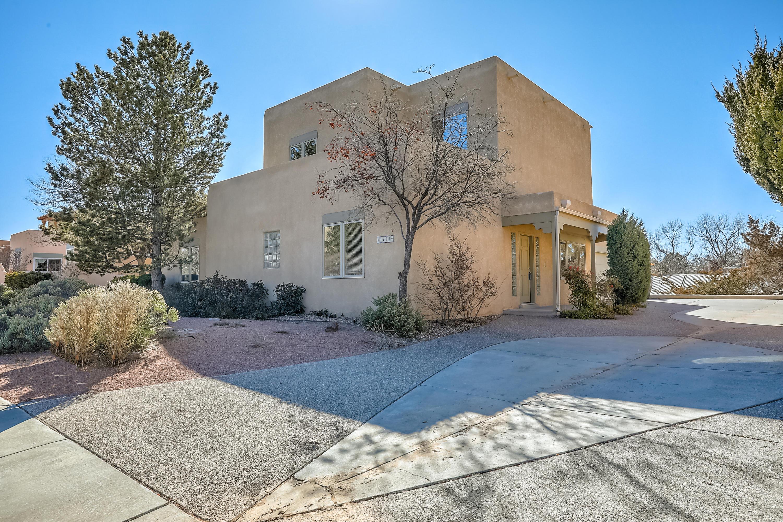 1731 AVENIDA ALTURAS NE Property Photo - Albuquerque, NM real estate listing