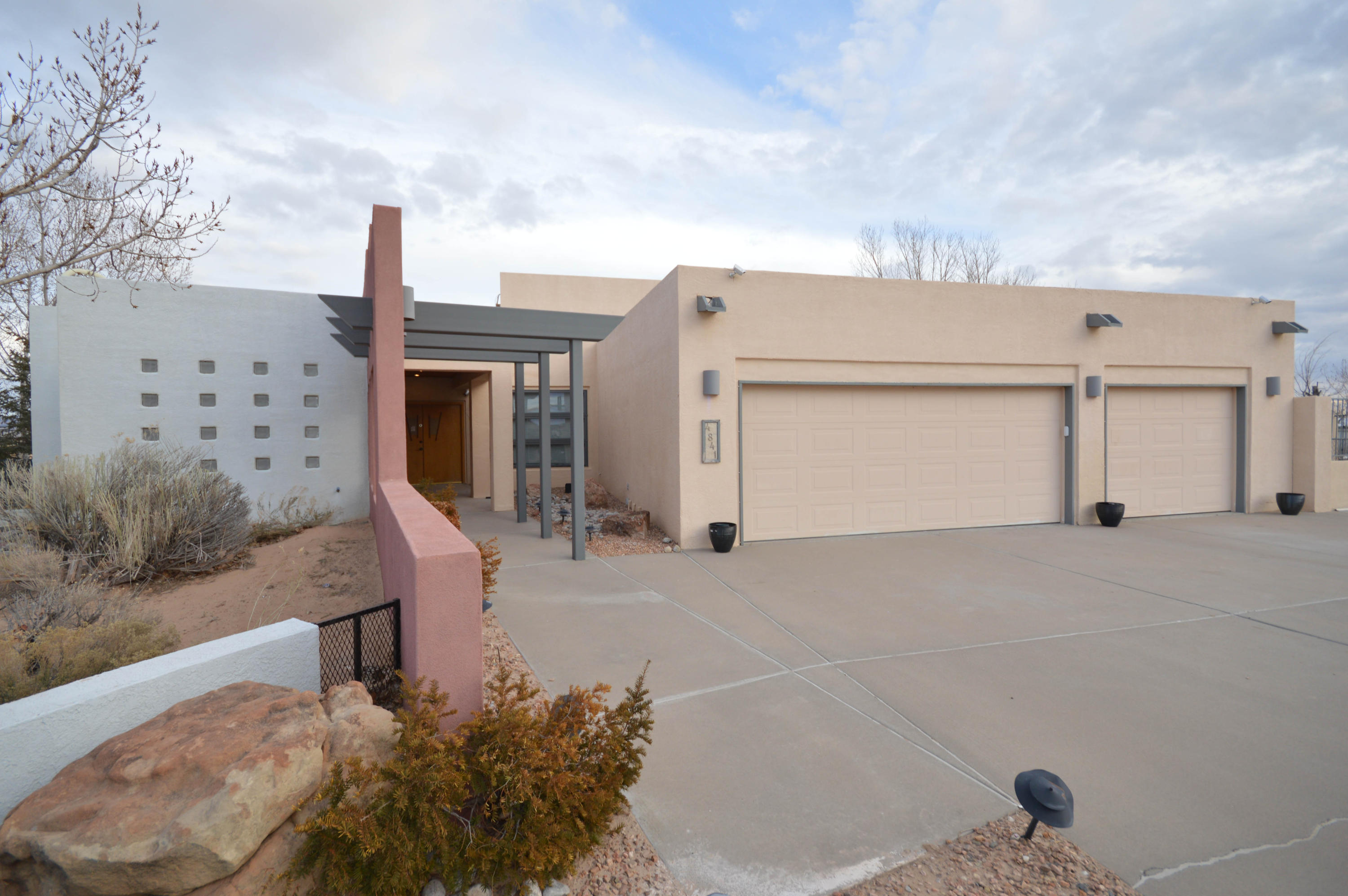 4841 HURON Drive NE Property Photo - Rio Rancho, NM real estate listing