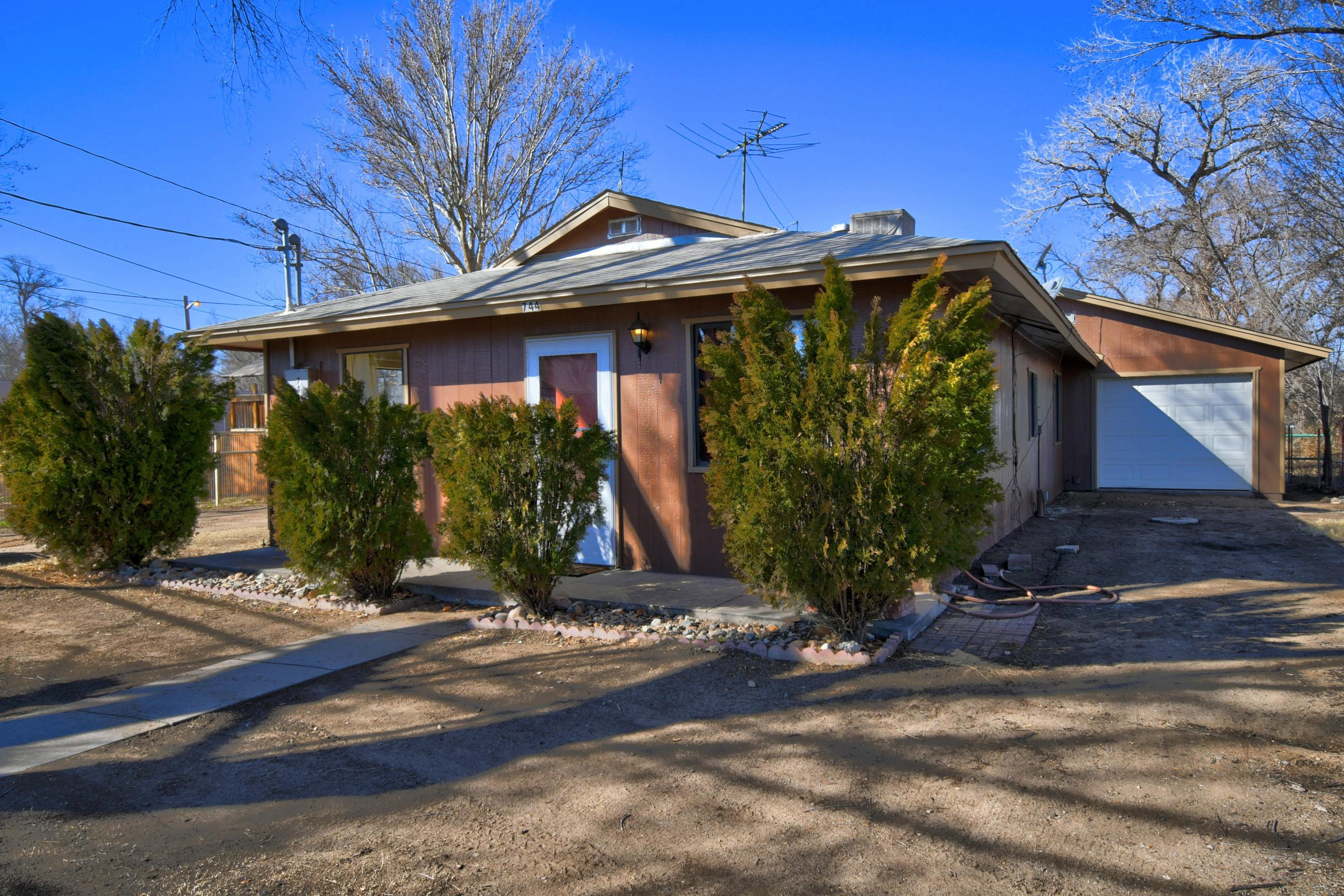 744 JARALES Road Property Photo - Belen, NM real estate listing