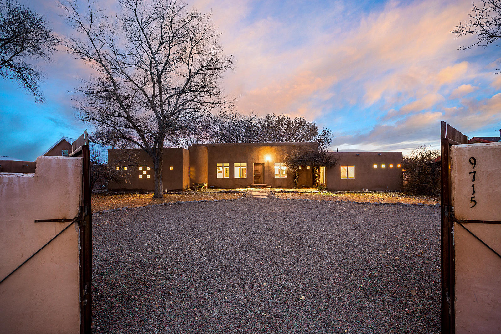 9715 GUADALUPE Trail NW Property Photo - Albuquerque, NM real estate listing