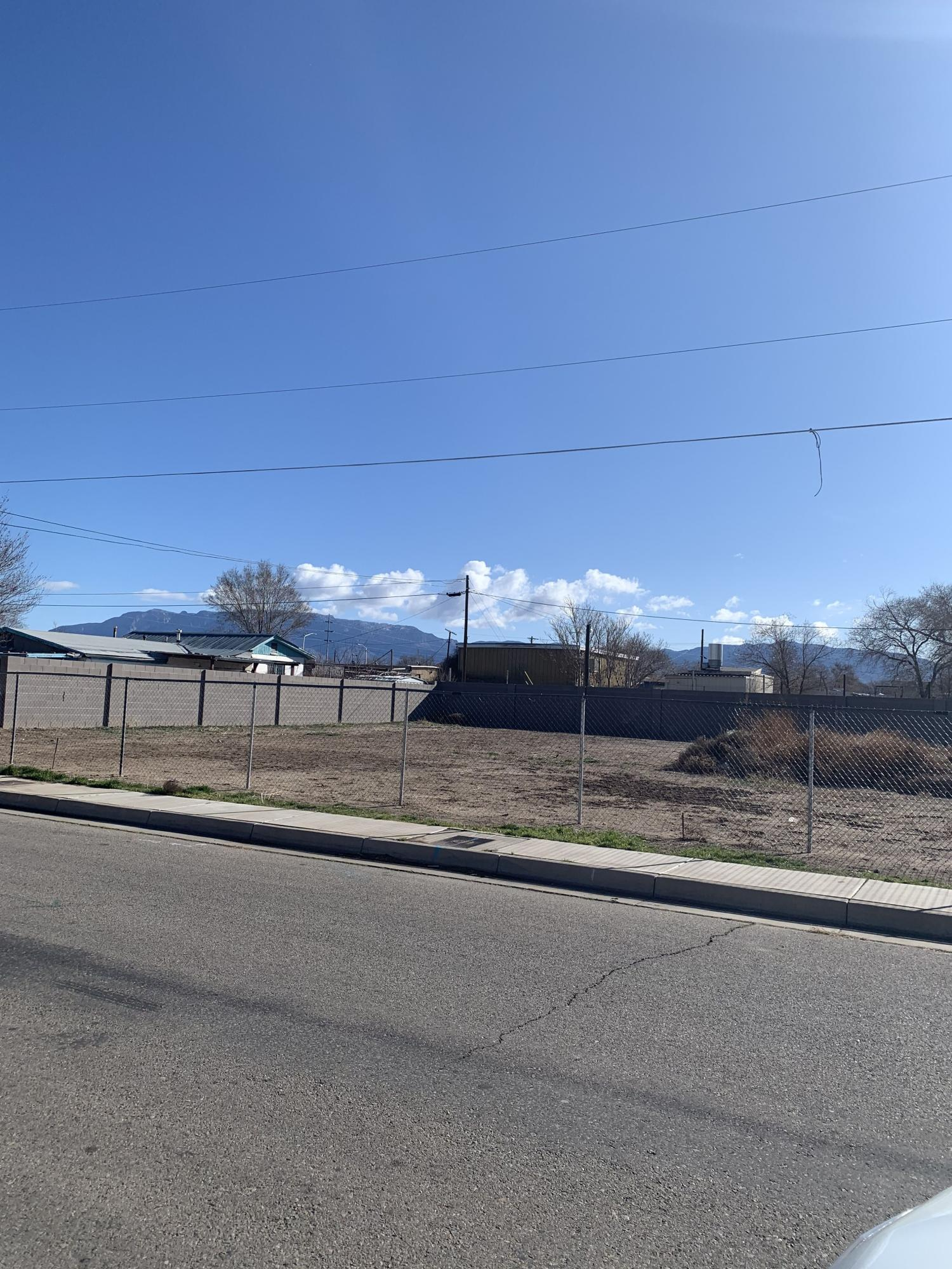 2908 3RD Street NW Property Photo - Albuquerque, NM real estate listing