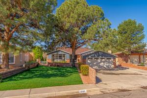 1207 Monroe Court NE Property Photo - Albuquerque, NM real estate listing