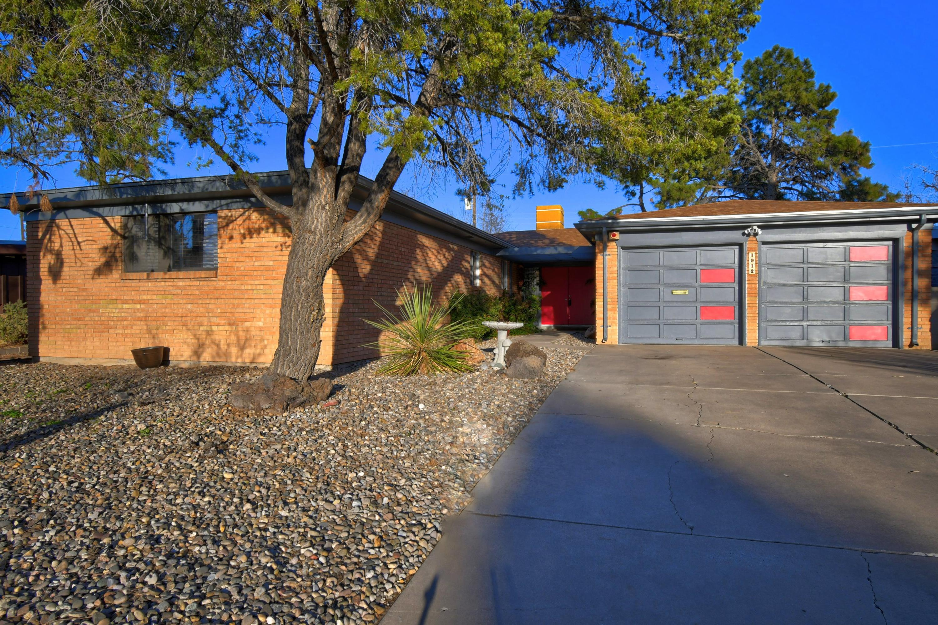 1912 MORNINGSIDE Drive NE Property Photo - Albuquerque, NM real estate listing