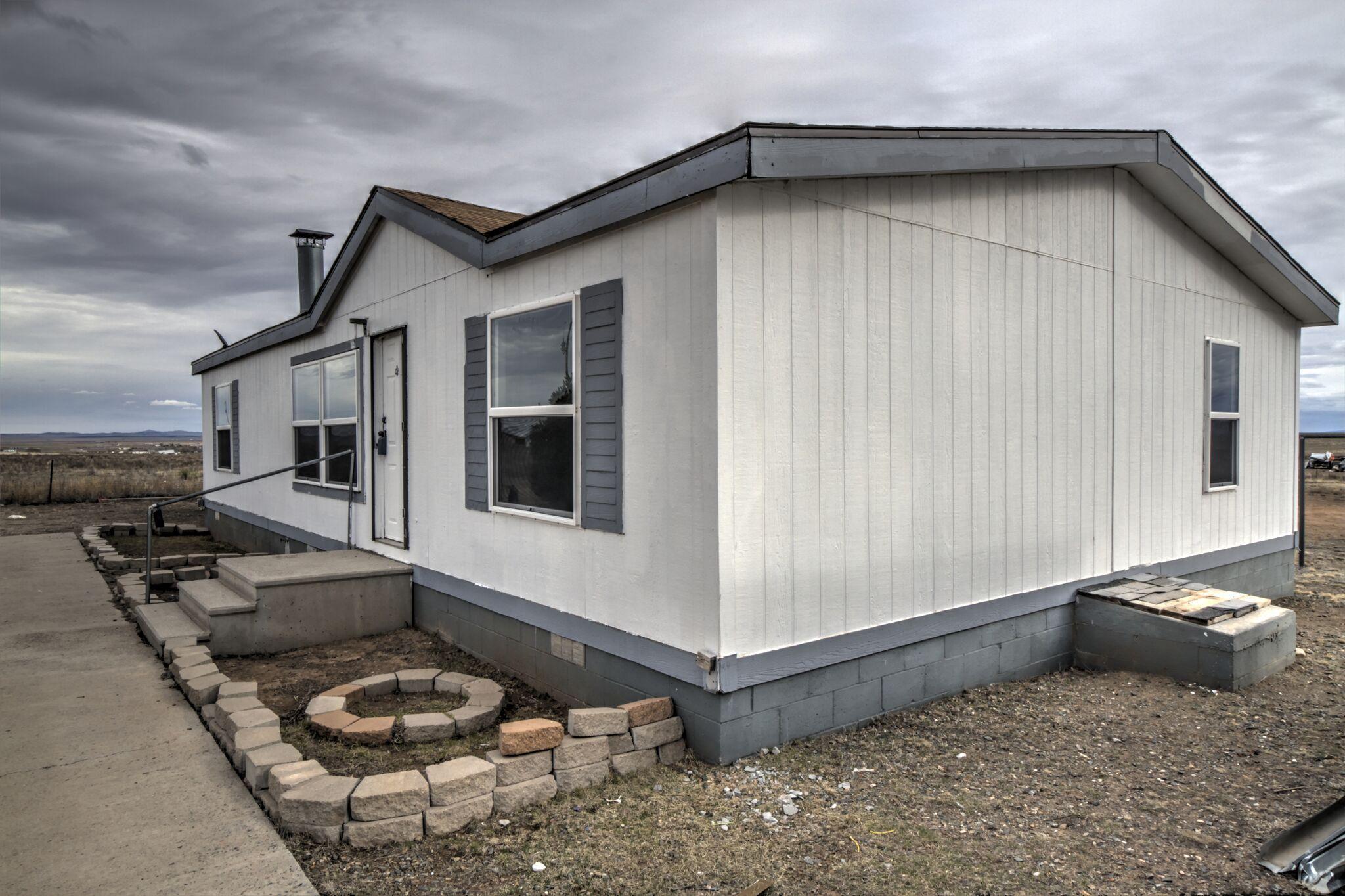 144 VIAJERO Avenue Property Photo - Moriarty, NM real estate listing