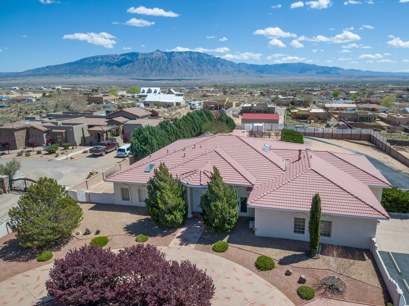 1016 SARATOGA Drive NE Property Photo - Rio Rancho, NM real estate listing