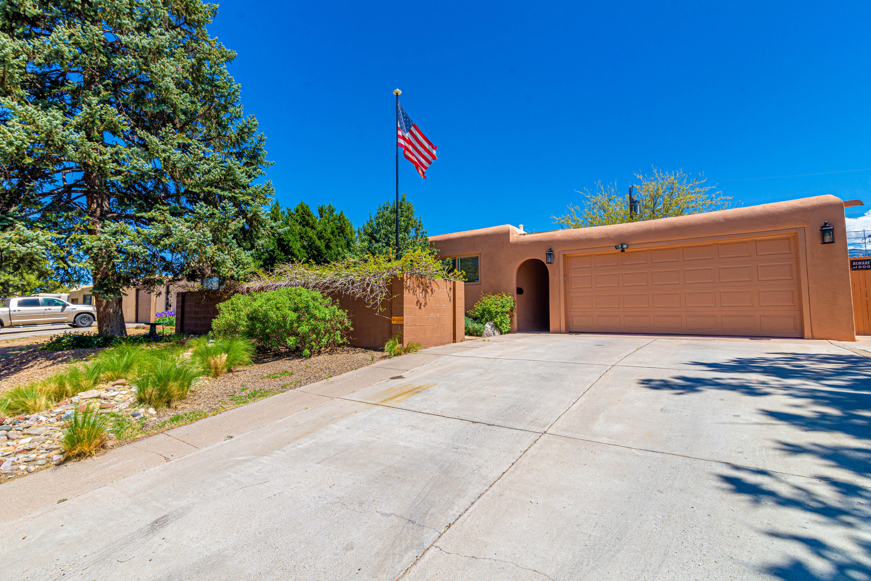 1816 FIELD Drive NE Property Photo - Albuquerque, NM real estate listing