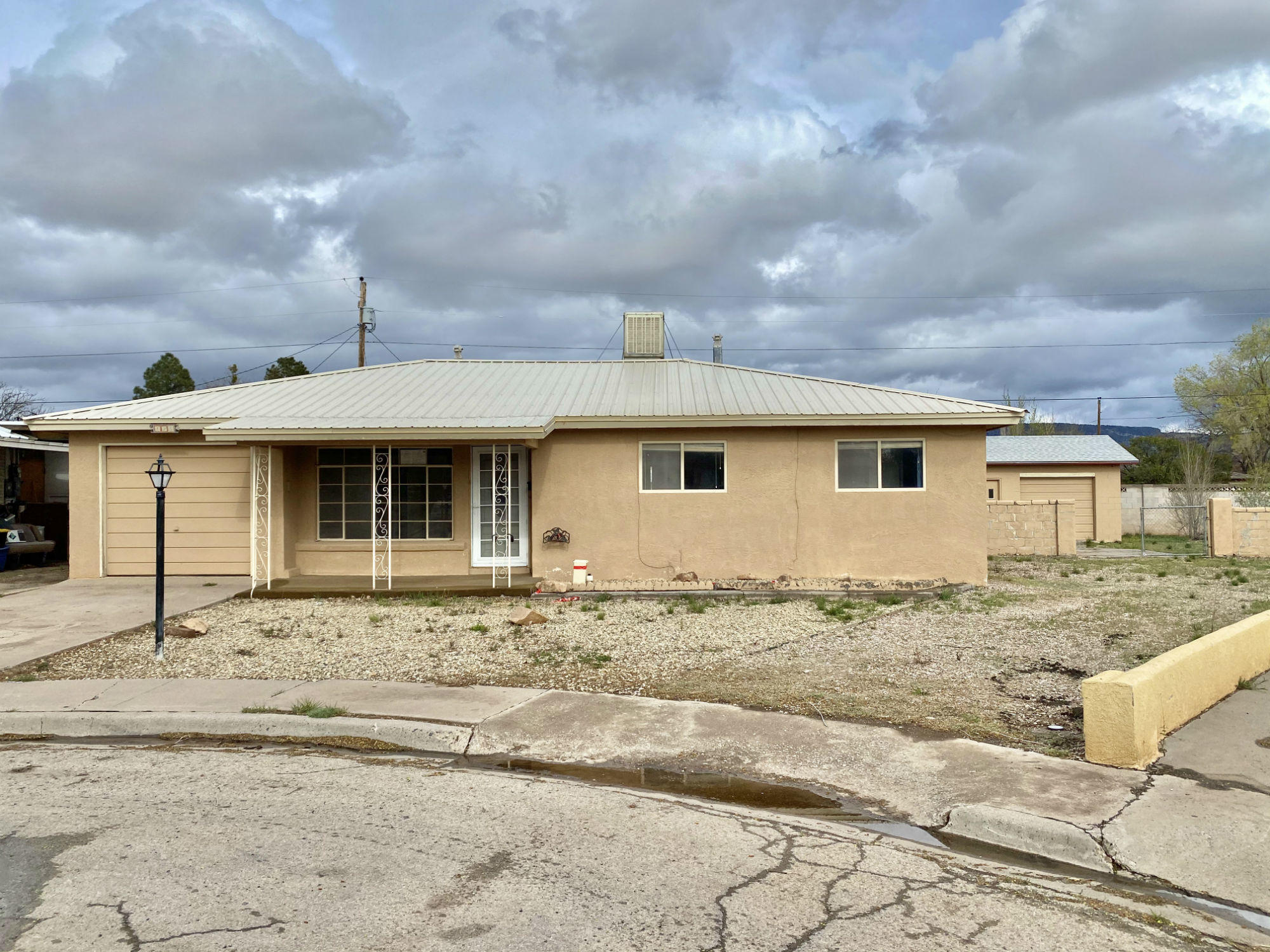 825 Houston Avenue Property Photo - Grants, NM real estate listing