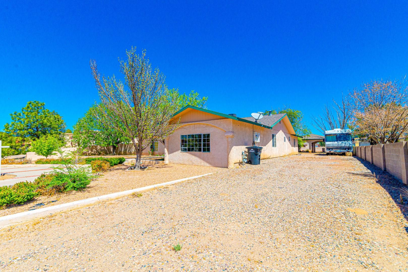 649 Palmer Lane Property Photo - Rio Communities, NM real estate listing