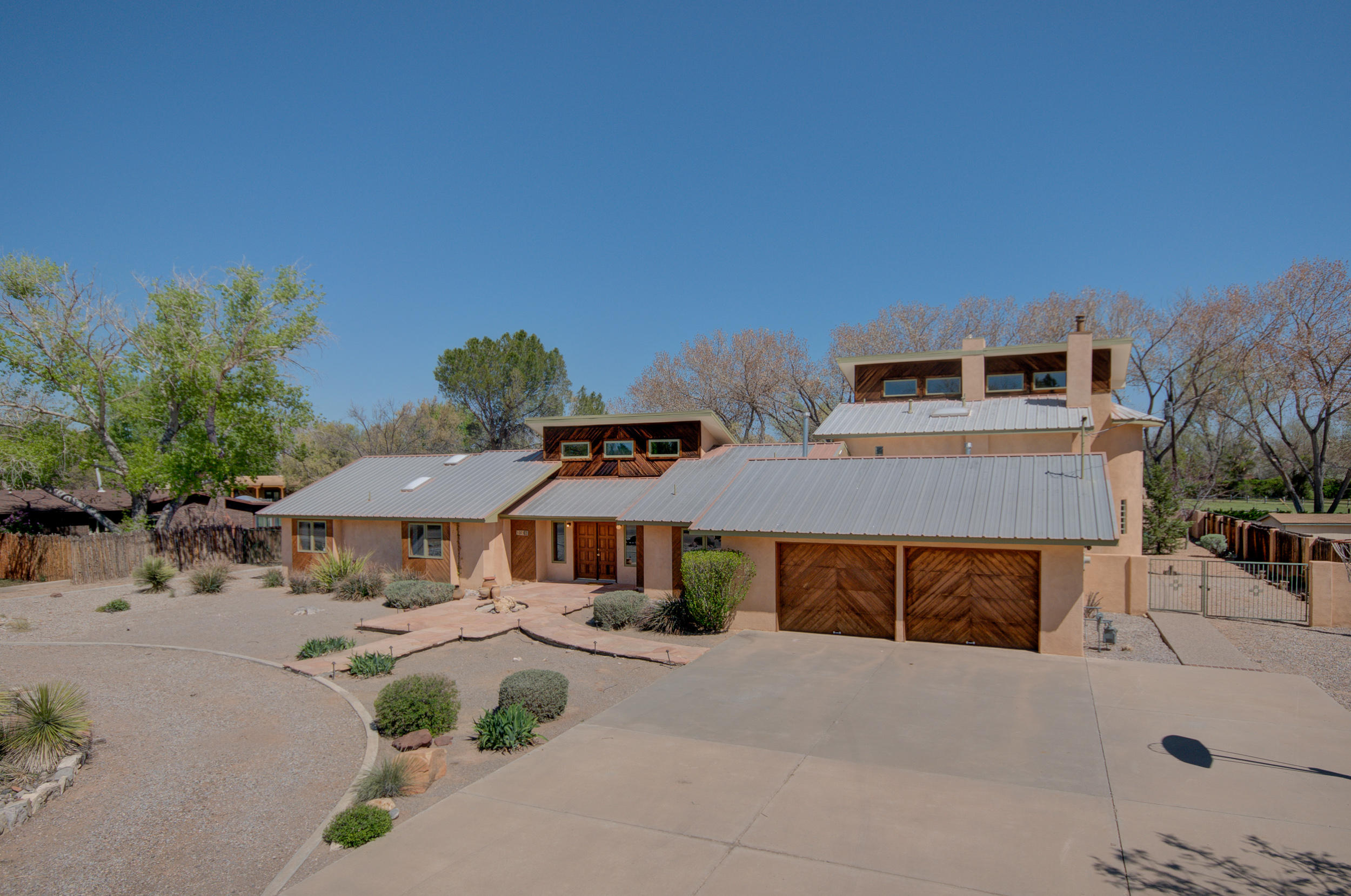 1003 STUART Road NW Property Photo - Albuquerque, NM real estate listing