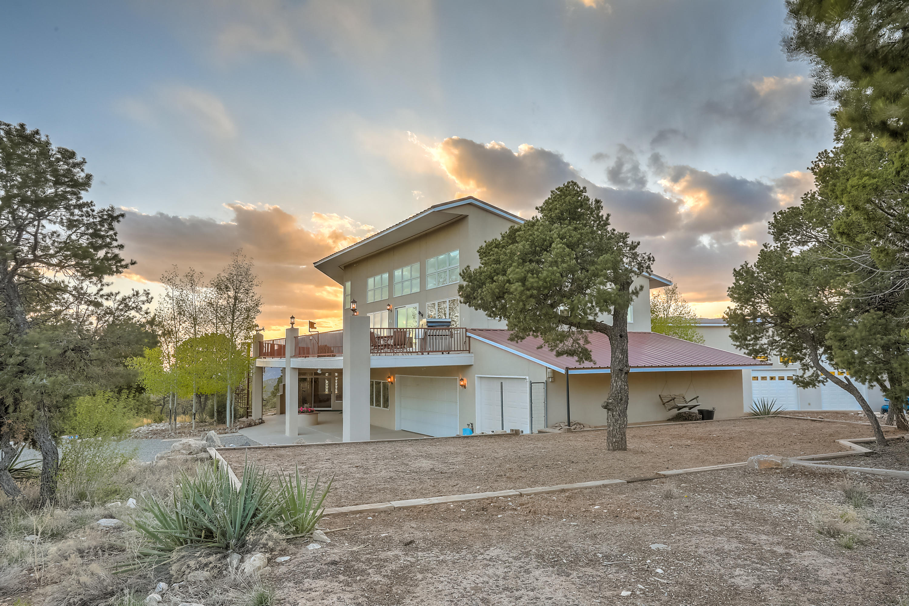 5 Falcon Ridge Road Property Photo - Tijeras, NM real estate listing