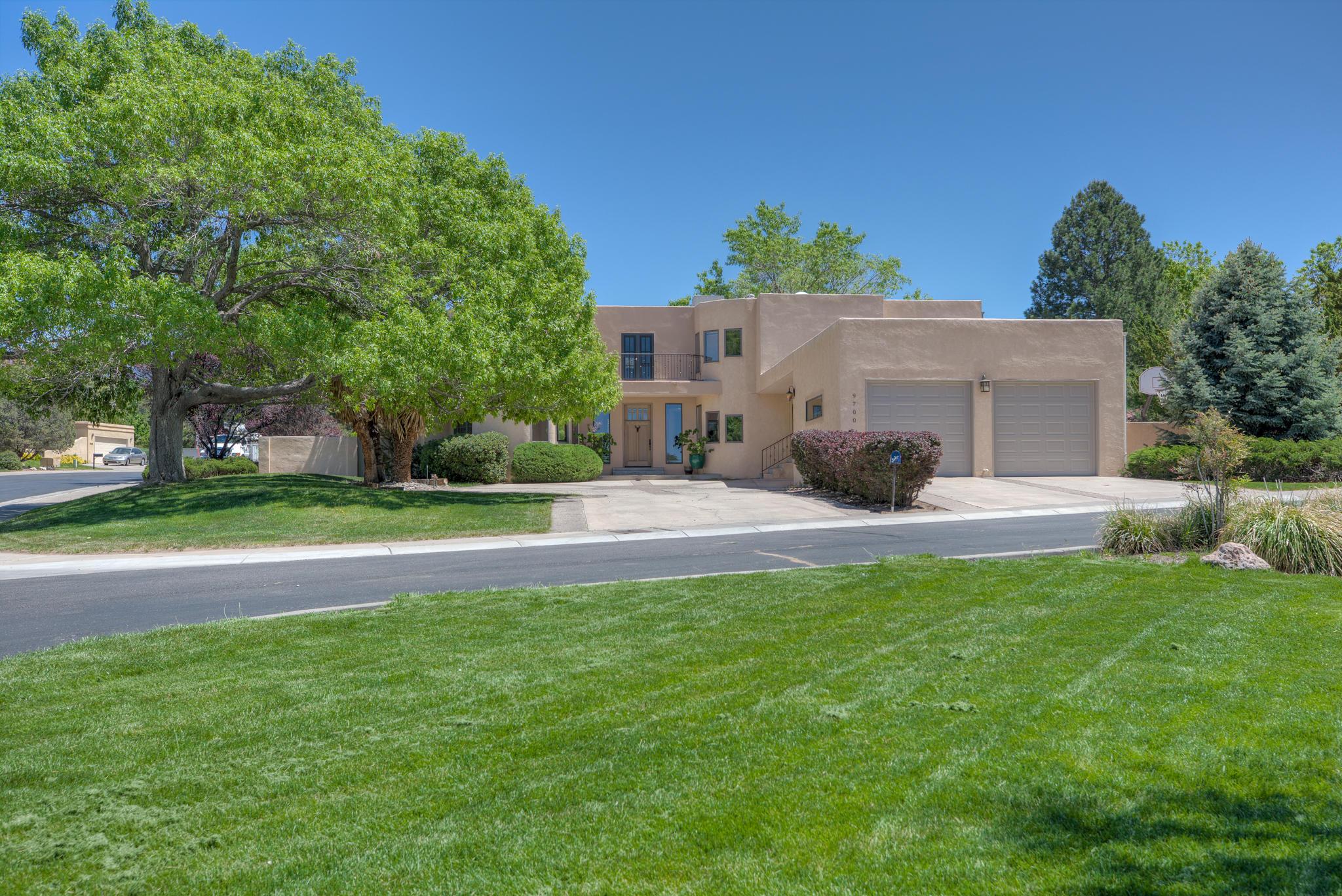 9700 TANOAN Drive NE Property Photo - Albuquerque, NM real estate listing