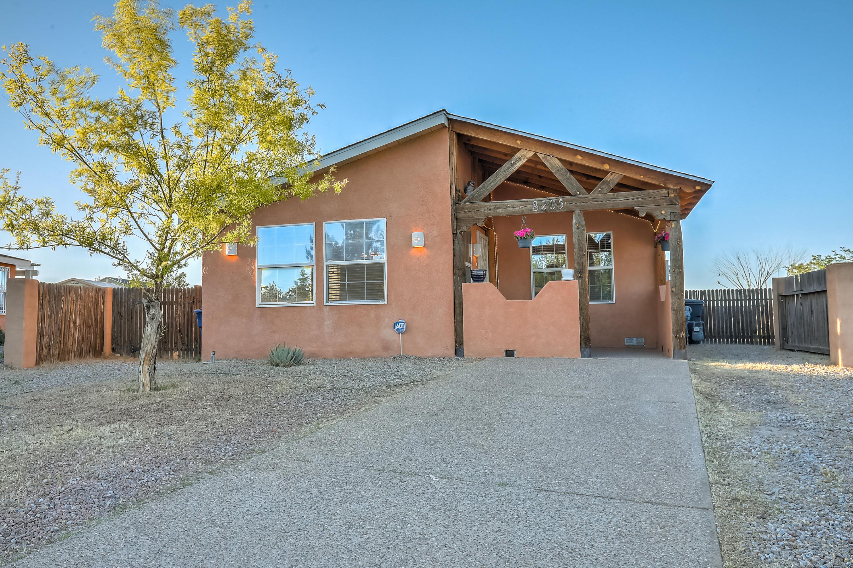 8205 DUNHILL Avenue SW Property Photo - Albuquerque, NM real estate listing