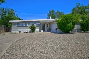10425 GLORIA Place NE, Albuquerque, NM 87112 - Albuquerque, NM real estate listing