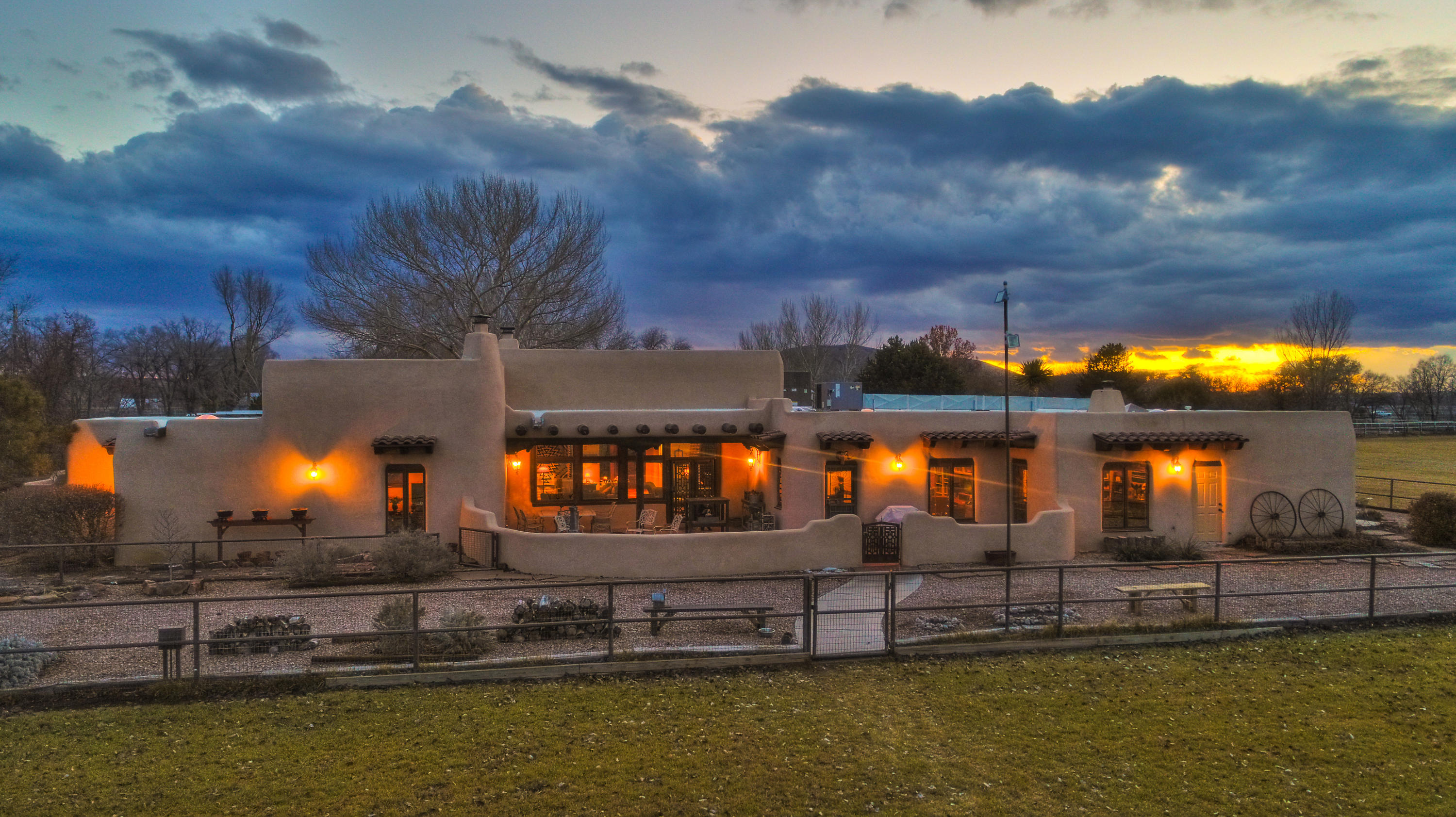 18 Rivendell Lane Property Photo - Los Lunas, NM real estate listing