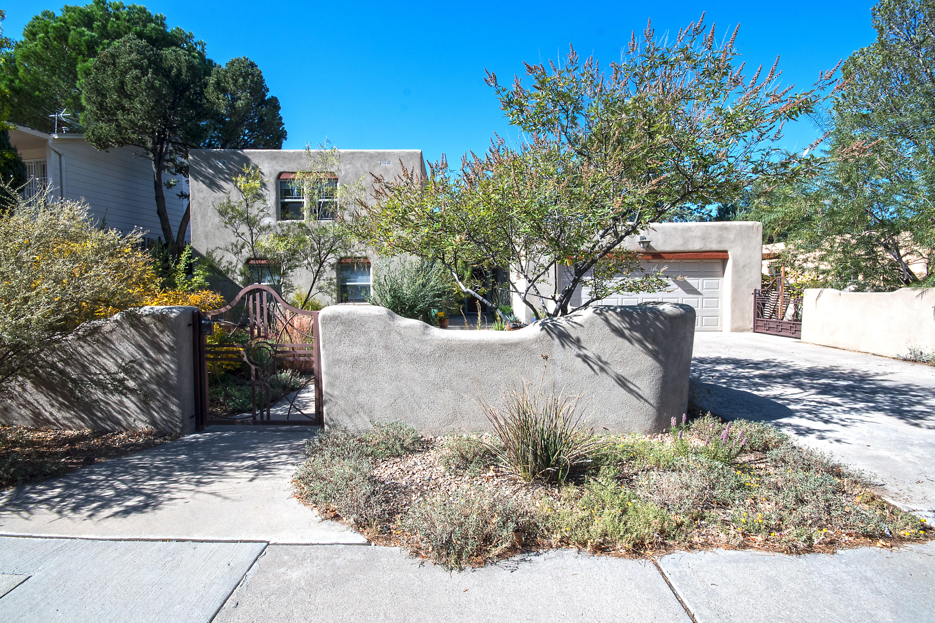 1401 MORNINGSIDE Drive NE Property Photo - Albuquerque, NM real estate listing