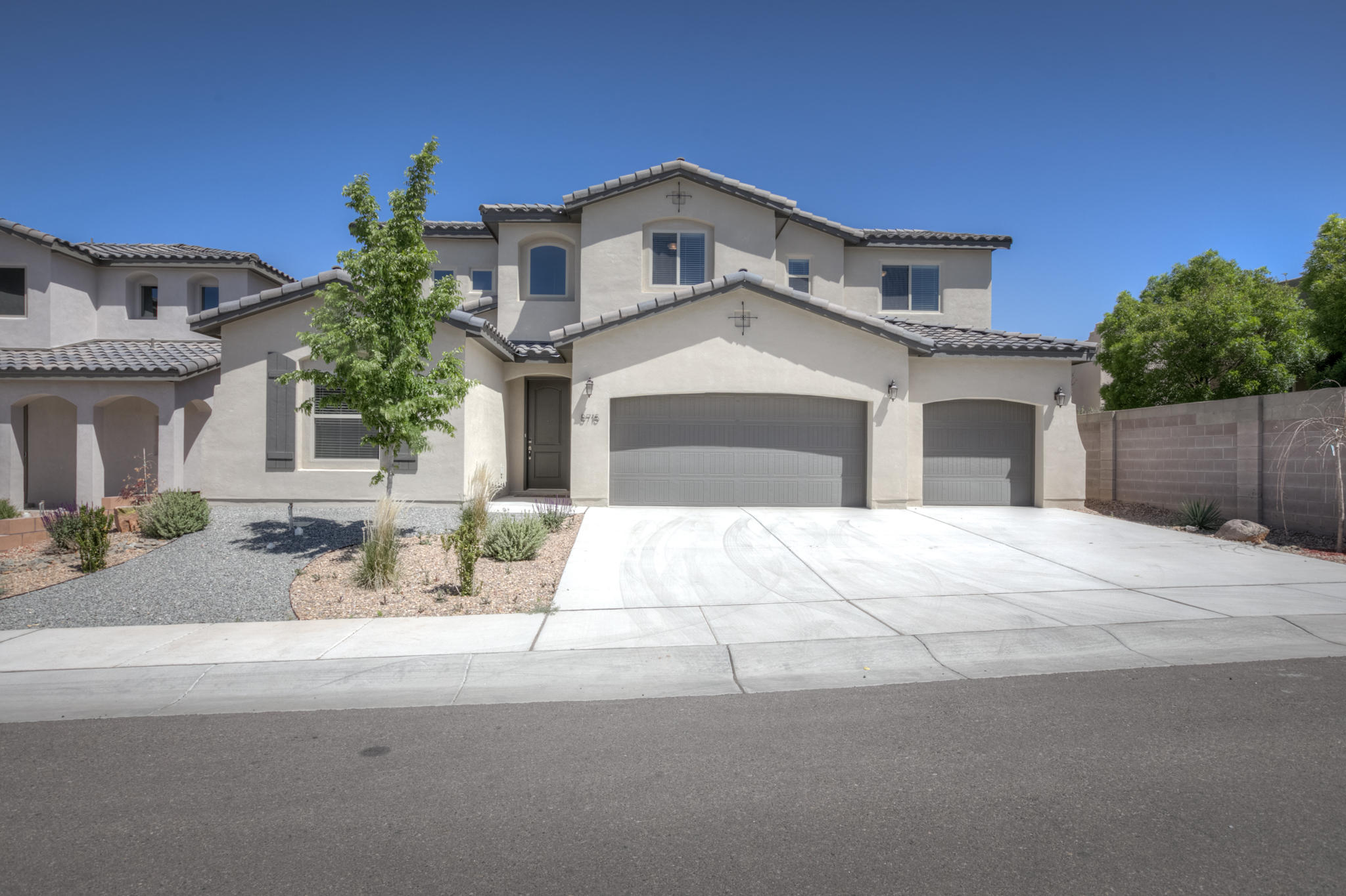 8715 DESERT FINCH Lane NE Property Photo - Albuquerque, NM real estate listing